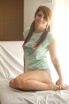 Hailey Leigh - Grey Shorts 14aj617fy0.jpg