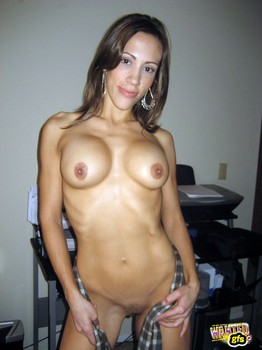 Nicoleta-private-photos-3-t6tfbh4hvw.jpg
