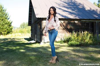 Sara Kristina - Cabin In The Woodsd48f461feu.jpg